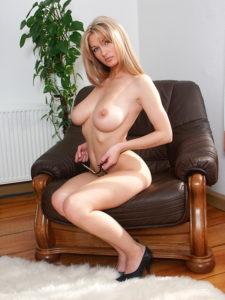 Telephone rose avec nathalie coquine blonde au tel rose